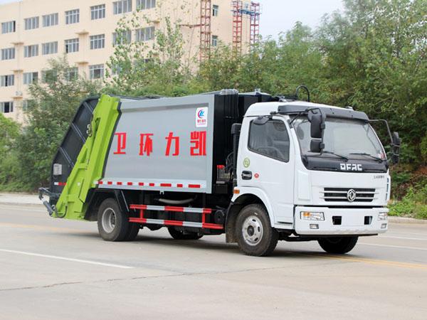 东风多利卡(8方)压缩式垃圾车