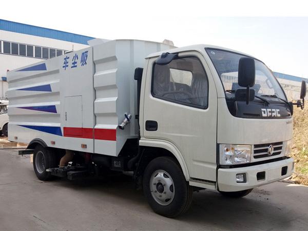 东风小多利卡CLW5070TXC5吸尘车